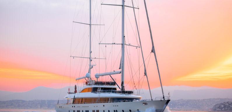 Аренда яхты ARESTEAS