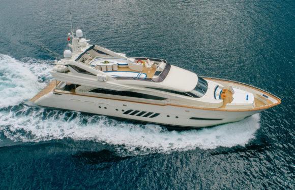 Аренда яхты Dominator LADY MURA