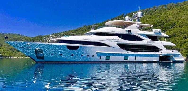 Продажа яхты Benetti 140
